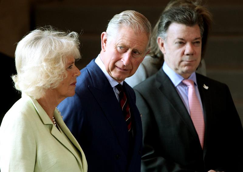 Príncipe Carlos en encuentro con víctimas del conflicto