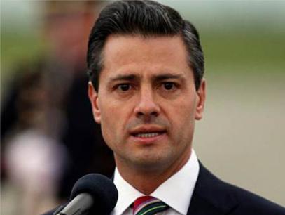 Continúa reunión de padres de estudiantes desaparecidos con Peña Nieto