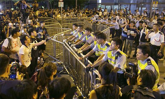 Estudiantes en Hong Kong no ceden