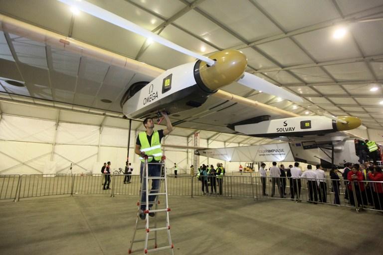 El avión solar llega a China tras un vuelo de 20h 30 min desde Birmania