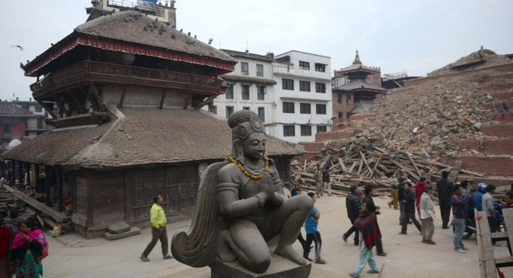 Dieciséis muertos en el nuevo sismo en Nepal