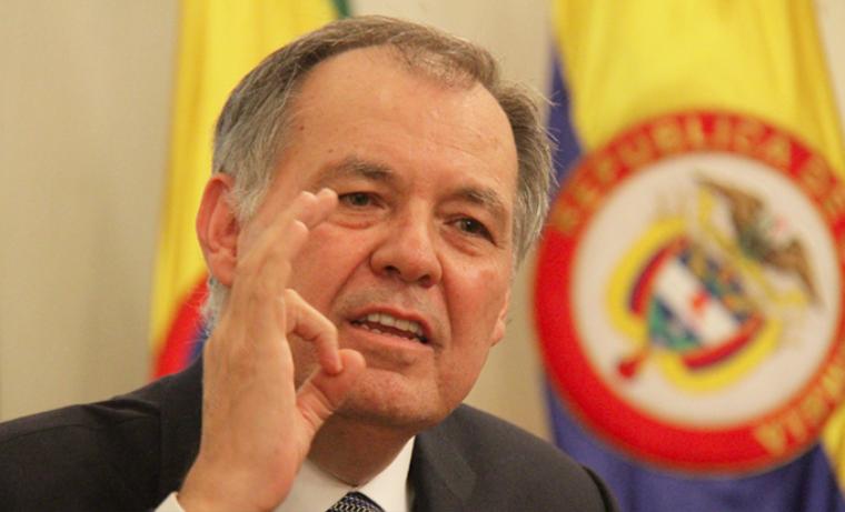Ejército colombiano debe seguir atacando a las FARC, según Procurador Ordóñez