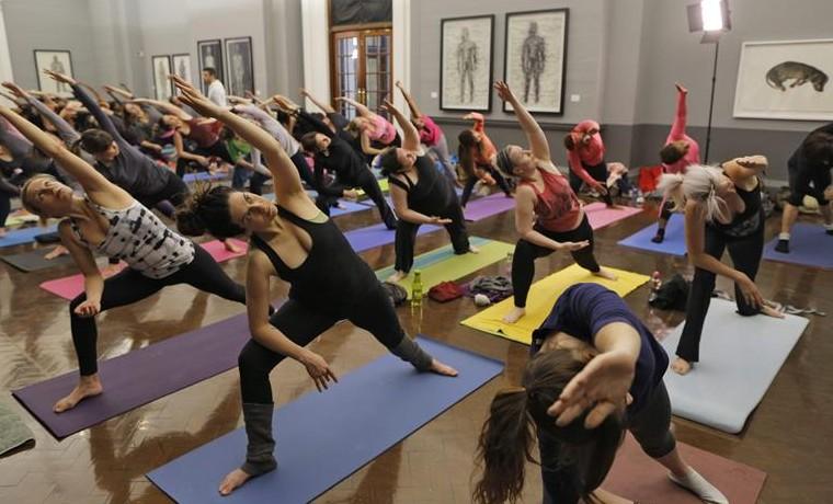 Yoga class in Joburg art gallery