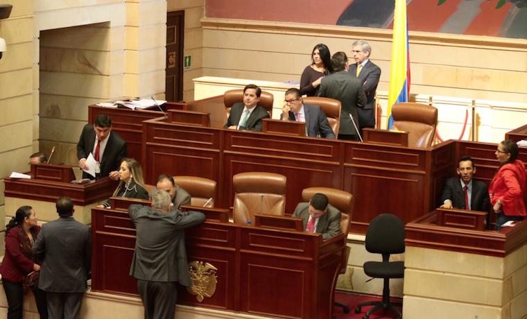 Congreso de Colombia aprobó eliminación de reelección presidencial