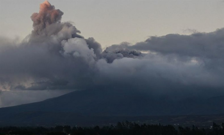 Ecuador en estado de excepción por actividad inusual del volcán Cotopaxi