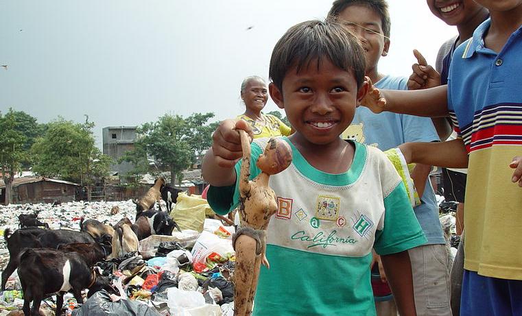 La pobreza extrema cae al 10% de la población mundial en 2015 según el Banco Mundial