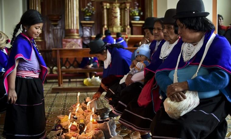 En Colombia, los indígenas misak honran a sus muertos y el año nuevo