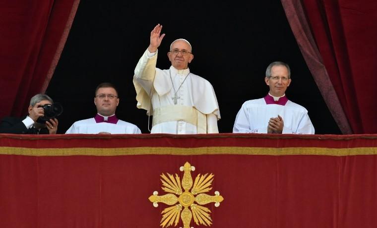 """El Papa pide que la Navidad """"ilumine los esfuerzos del pueblo colombiano"""" para alcanzar la paz"""