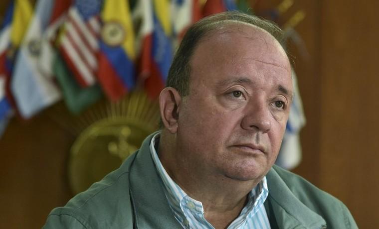 Desminar Colombia tomará una generación: ministro Villegas
