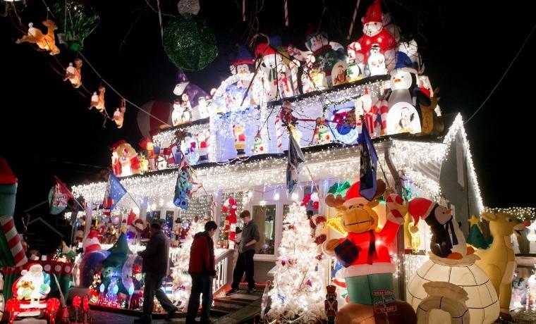 Luces de Navidad en EEUU consumen más energía que un país pobre en un año