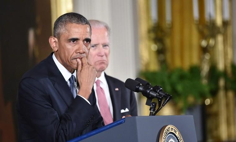 """Obama, en lágrimas, pide """"urgencia"""" en el control de armas en EEUU"""