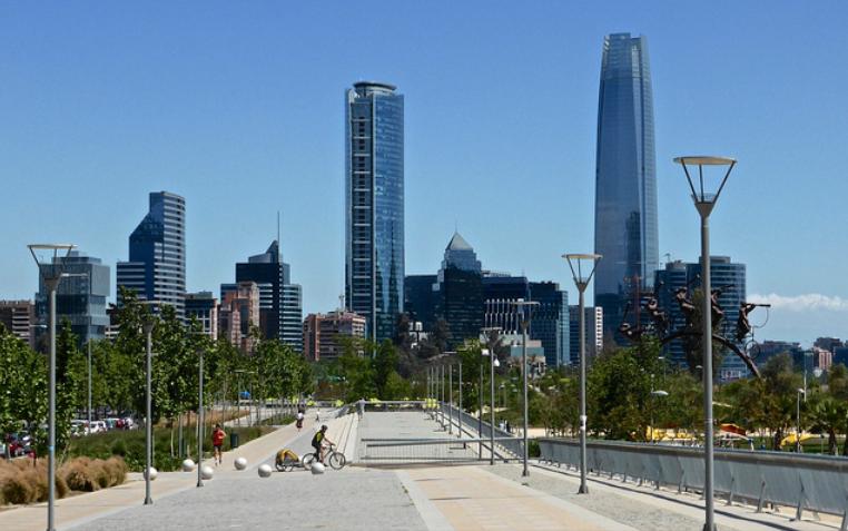 Para bajar el crimen: buen alumbrado público y espacios verdes cuidados (Parque Bicentenario, Chile). Los Blogs del BID