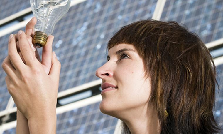 ¿Que no hay mujeres en el sector de la energía renovable? Mira de nuevo