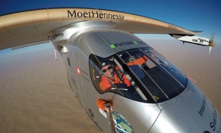 """Sin provocar """"ruido ni contaminación"""", el Solar Impulse 2 completó vuelta al mundo"""