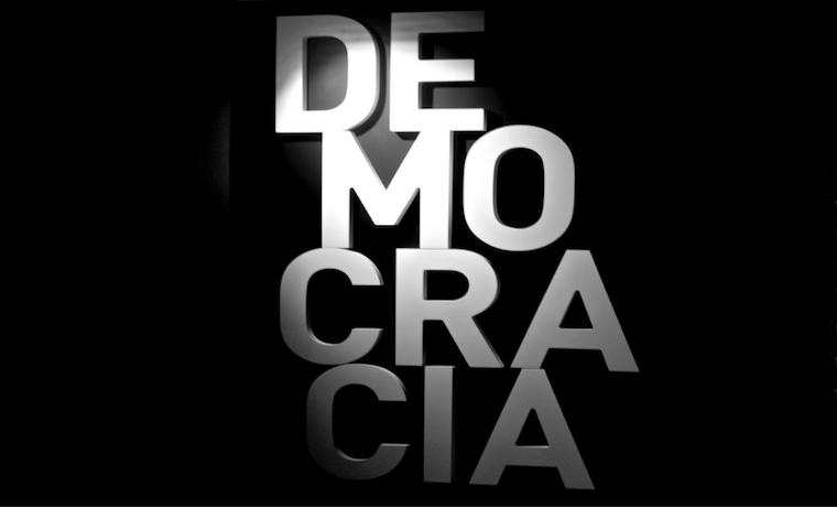 ¿Causa la democracia mayor prosperidad y crecimiento económico?
