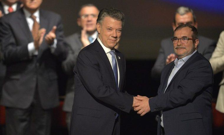 Colombia firmó renegociado acuerdo de paz con las FARC