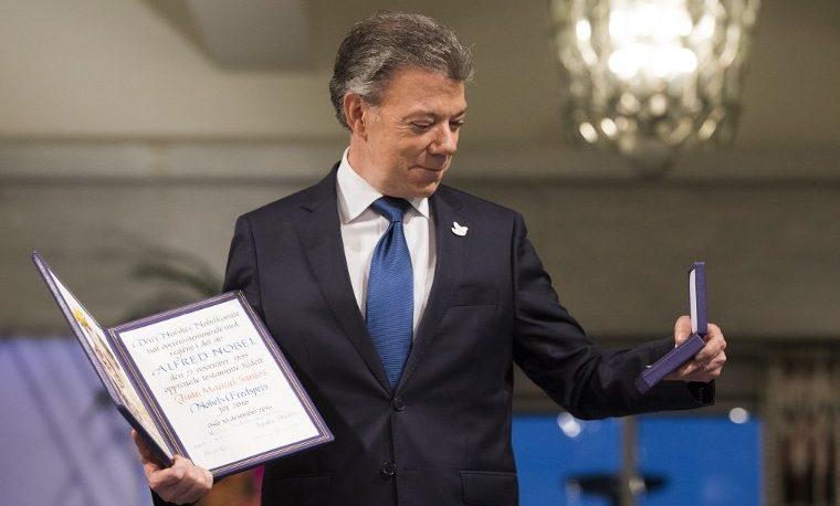"""Santos recibió el Nobel de la paz """"en nombre de las víctimas"""""""
