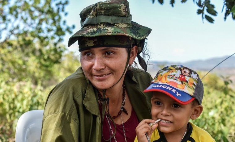 FARC desmovilización niños violencia