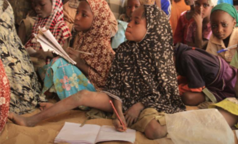Las mujeres jóvenes más pobres han pasado menos de un año en la escuela en los diez países con los peores resultados
