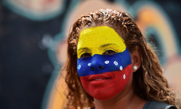 Tragedia en Venezuela, indiferencia en Colombia