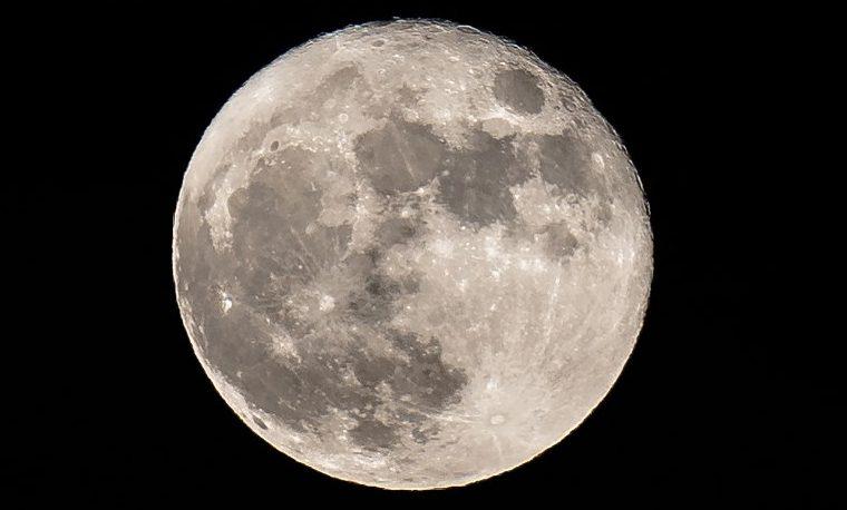 La Luna sería rica en agua