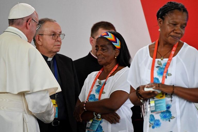 Cinco veces víctima, un solo perdón: la cita de Francisco con dolor en Colombia