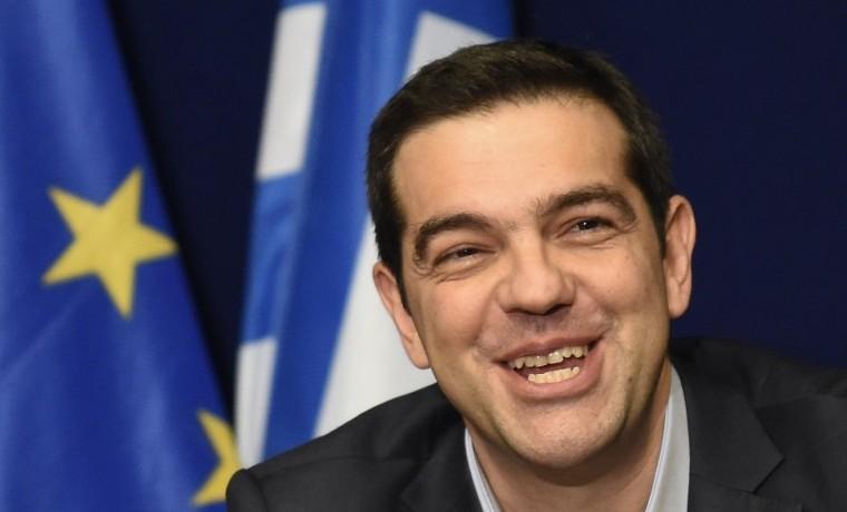 """Tsipras dice a secretario EEUU del Tesoro que un acuerdo debe """"respetar a los griegos"""""""