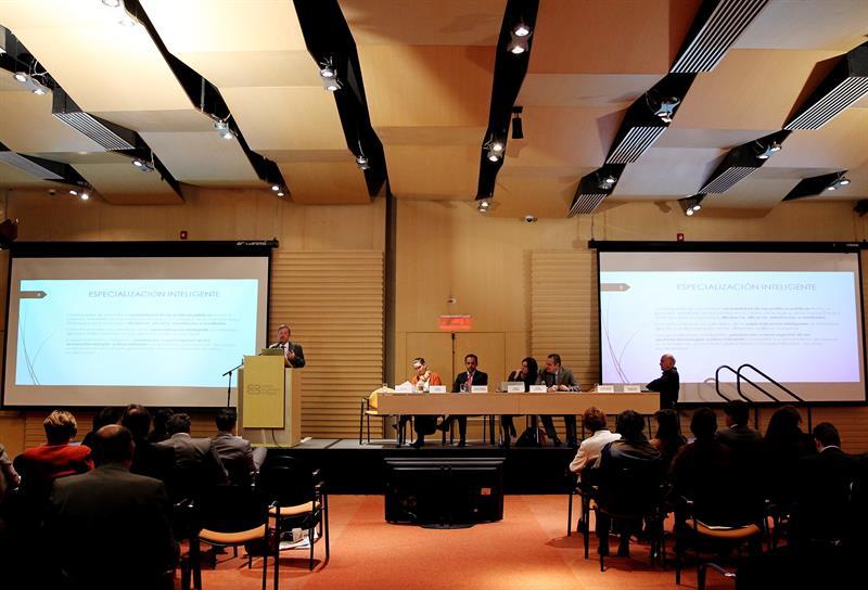 """Febrero 23 de 2015. Lanzamiento de """"Bogotá Región Innovadora 2025"""", una estrategia con la que busca convertirse en un polo de negocios a partir de la innovación y en un generador de oportunidades de crecimiento como ciudad y región. COLOMBIA.INN/LEONARDO MUÑOZ"""