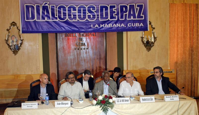 Annan con equipo de Gobierno y FARC en Cuba