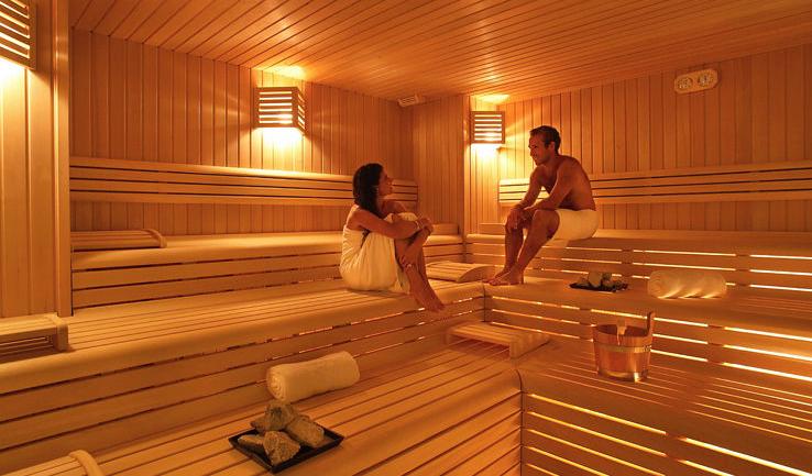 Visitar el sauna a menudo mejora la salud y asegura la longevidad