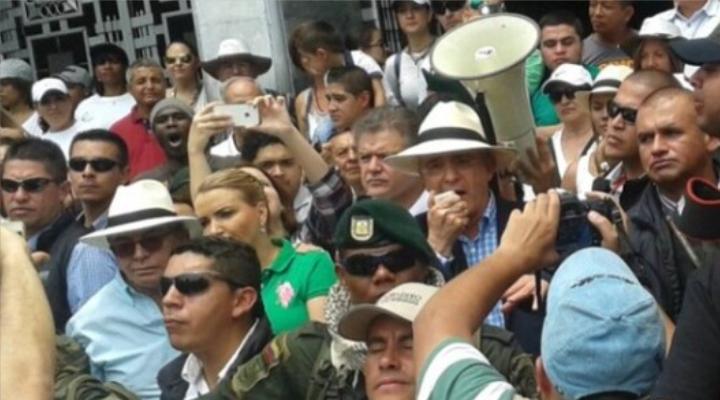 El Procurador tiene el deber de hacer respetar la ley: Álvaro Uribe