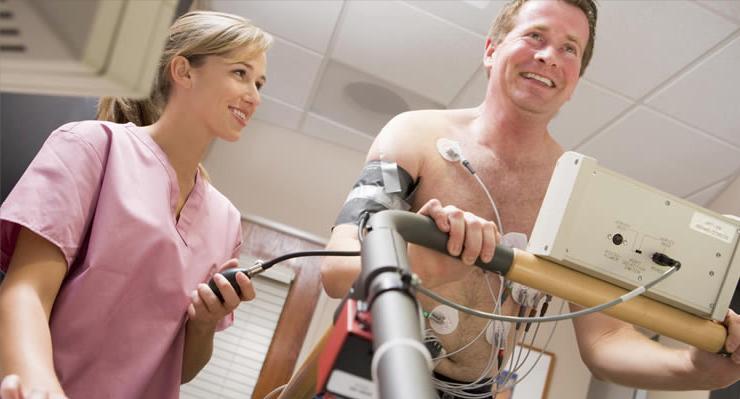 Escáner o prueba de esfuerzo, igual de eficaces para diagnosticar enfermedades cardíacas