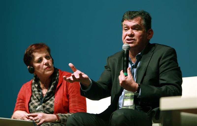 """Ministra de Cultura colombiana dice que proceso de paz no supone """"unanimismo"""""""