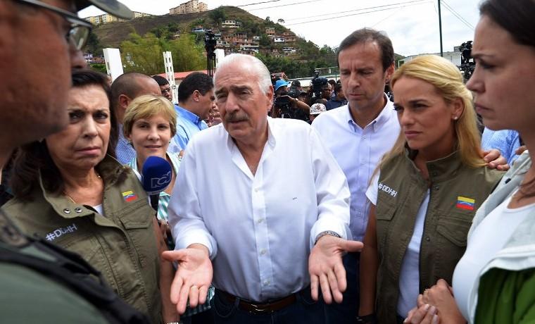 Maduro impide a expresidentes Pastrana y Quiroga visitar a opositores presos