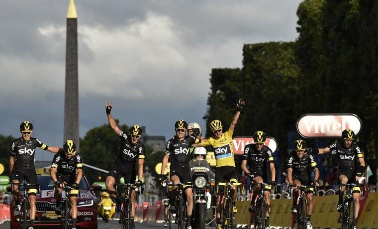 Froome gana el Tour de Francia, Greipel se lleva la última etapa en París