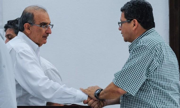 ¿Tregua con FARC en Colombia? Sólo tras consenso político, dicen expertos