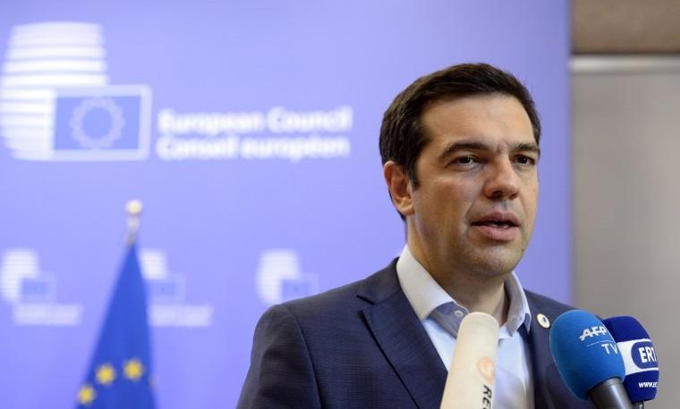 """""""La pistola en la sien"""" de Europa a Tsipras: la otra versión de la crisis griega"""