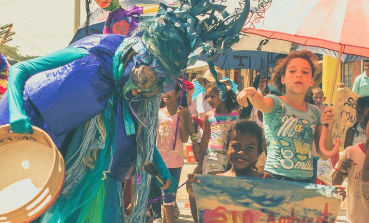 Colombia reconstruye con arte y cultura tejido social de personas excluidas