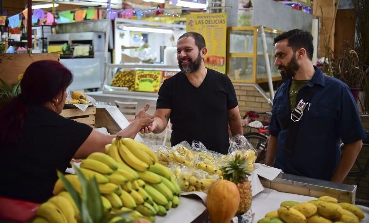 Tras los fogones de Enrique Olvera, el chef que puso a México en boca del mundo