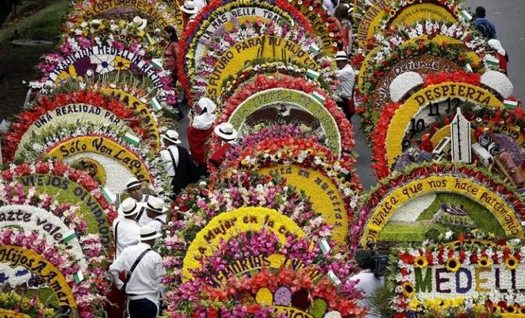 Feria de Flores de Medellín baja el telón con tradicional Desfile Silleteros