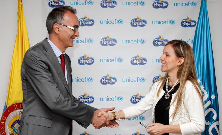 Roberto de Bernardi, Representante de Unicef para Colombia y Patricia Lotero, Directora de Desarrollo de Pequeñín.