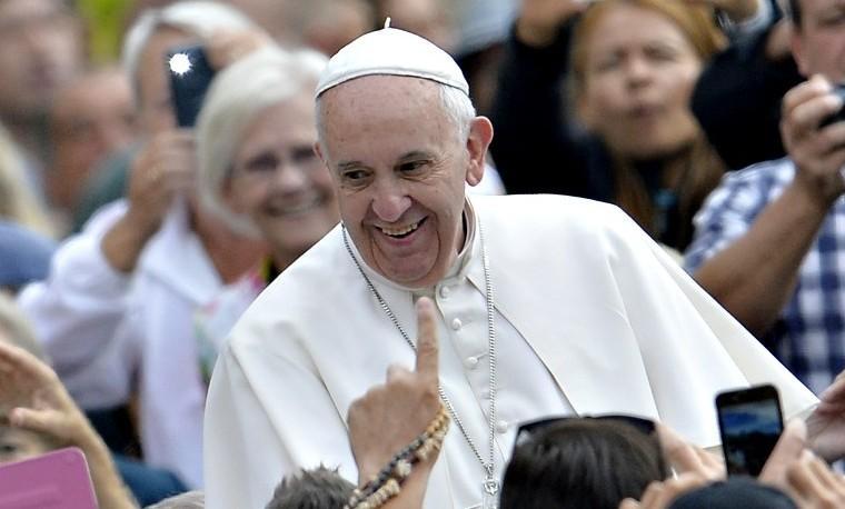 """""""Un puente se está reconstruyendo entre Cuba y EEUU"""": Papa Francisco"""