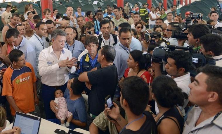 Presidentes Santos y Maduro se reunirán el lunes en Quito