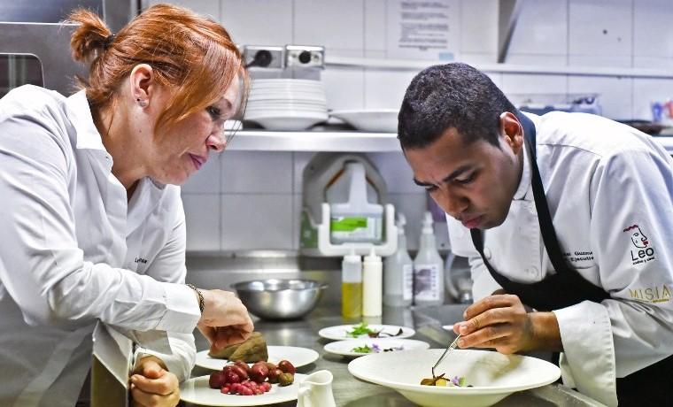 Leonor Espinosa, la chef que hace gozar paladares con el sabor de Colombia