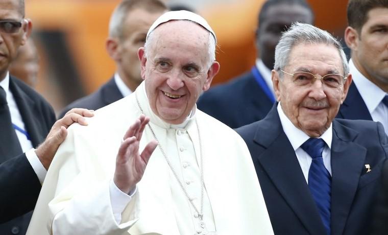 "Tras visita del papa Francisco a Cuba, Iglesia pide ""remover definitivamente"" restricicones a su labor"