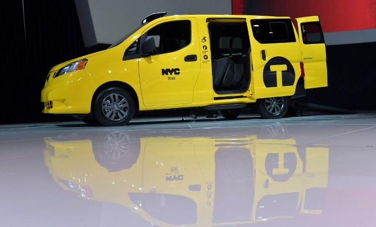 Taxis contraatacan a Uber en Nueva York: vehículos más cómodos y con reserva