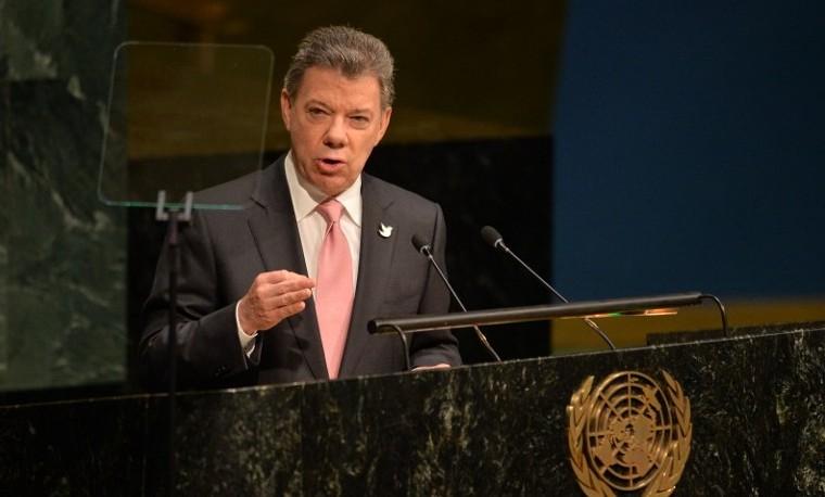 """Santos ve acuerdo fiscal con Panamá """"un paso importante"""" contra evasión"""