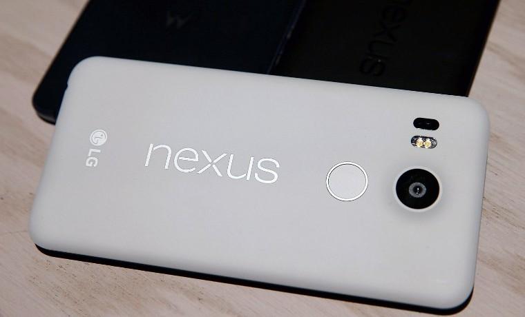 Google contraatacó a Apple con teléfonos Nexus y nueva tableta