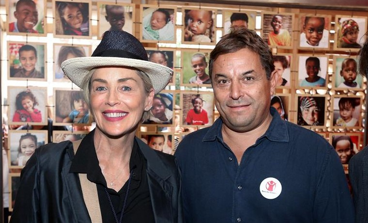 "Sharon Stone apoya a ""Save the Children"" en su visita a la Expo de Milán"