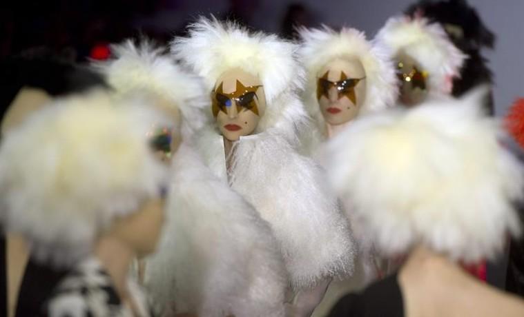 La London Fashion Week se tiñe de rosa con la colección de Zandra Rhodes